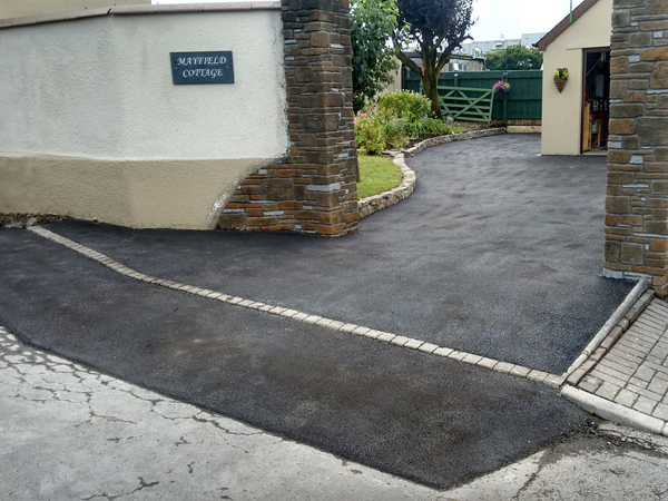 Home Tarmac Driveway and Entrance